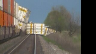 Train derails in Marshall County