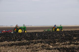 Mackinaw / Minier area  plowing day