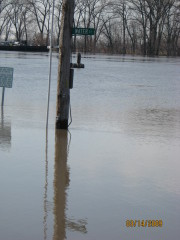 IL River takes over Pekin Riverfront
