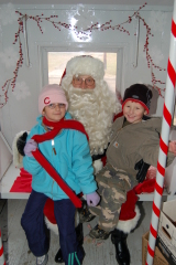 santa train visits canton