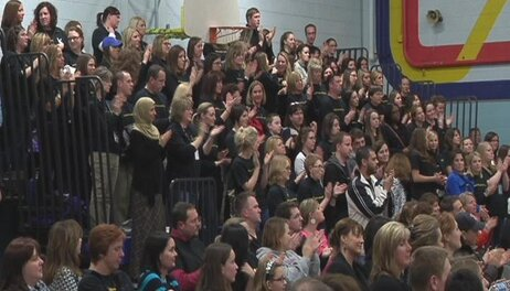 Dunlap School board votes to cut 17 teaching and staff positions .