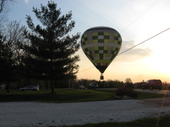 Balloon Lands on Sheridan Road Pekin