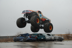 Monster Truck Smashes cars in Morton!