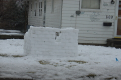 Kids love snow forts