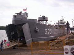LST325 WW2 Ship
