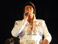 al hull as elvis