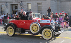Lee in the Santa Parade