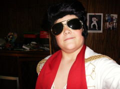 jeremy brannan as elvis